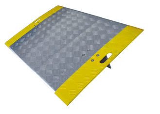 China Portable Diamond Thread Aluminum Dock Plate 2050 Lbs Capacity Slip Resistance factory