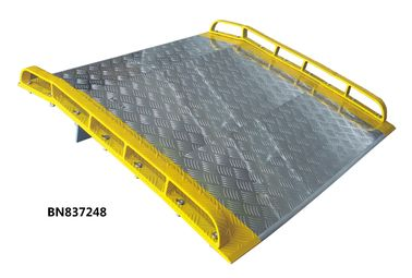 China Unassembled Aluminum Dock Plate With Aluminum Curbs 6 Feet Wide 4 Feet Long factory