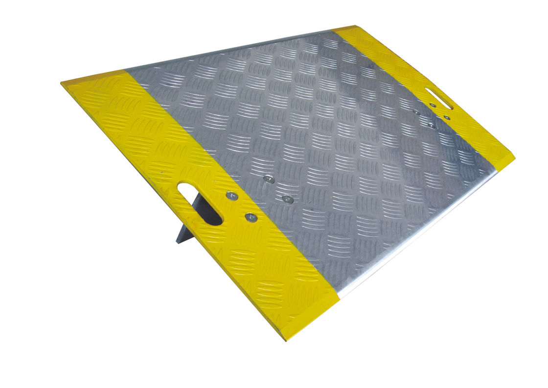 Non Skid High Tractiondock Transition Plates , 4 * 2 Feet Pallet Truck Dock Plate supplier