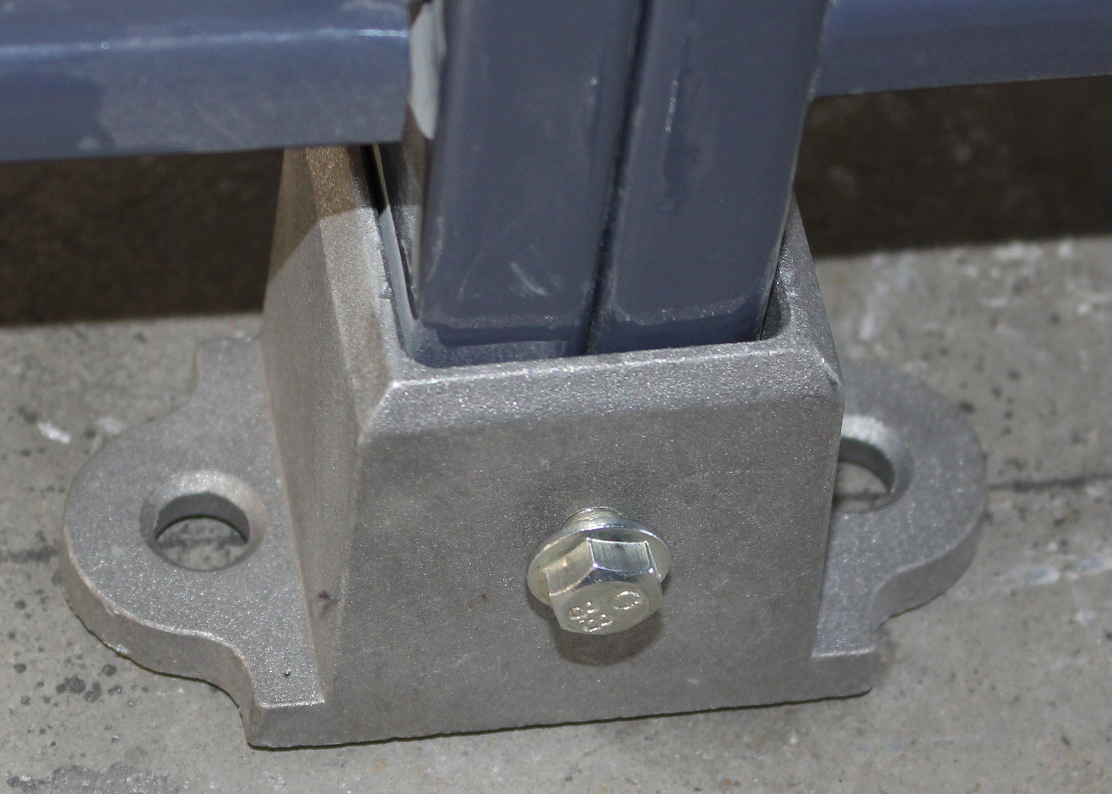 Aluminum Floor Fence Post Sockets For Security Mesh Partitions ...