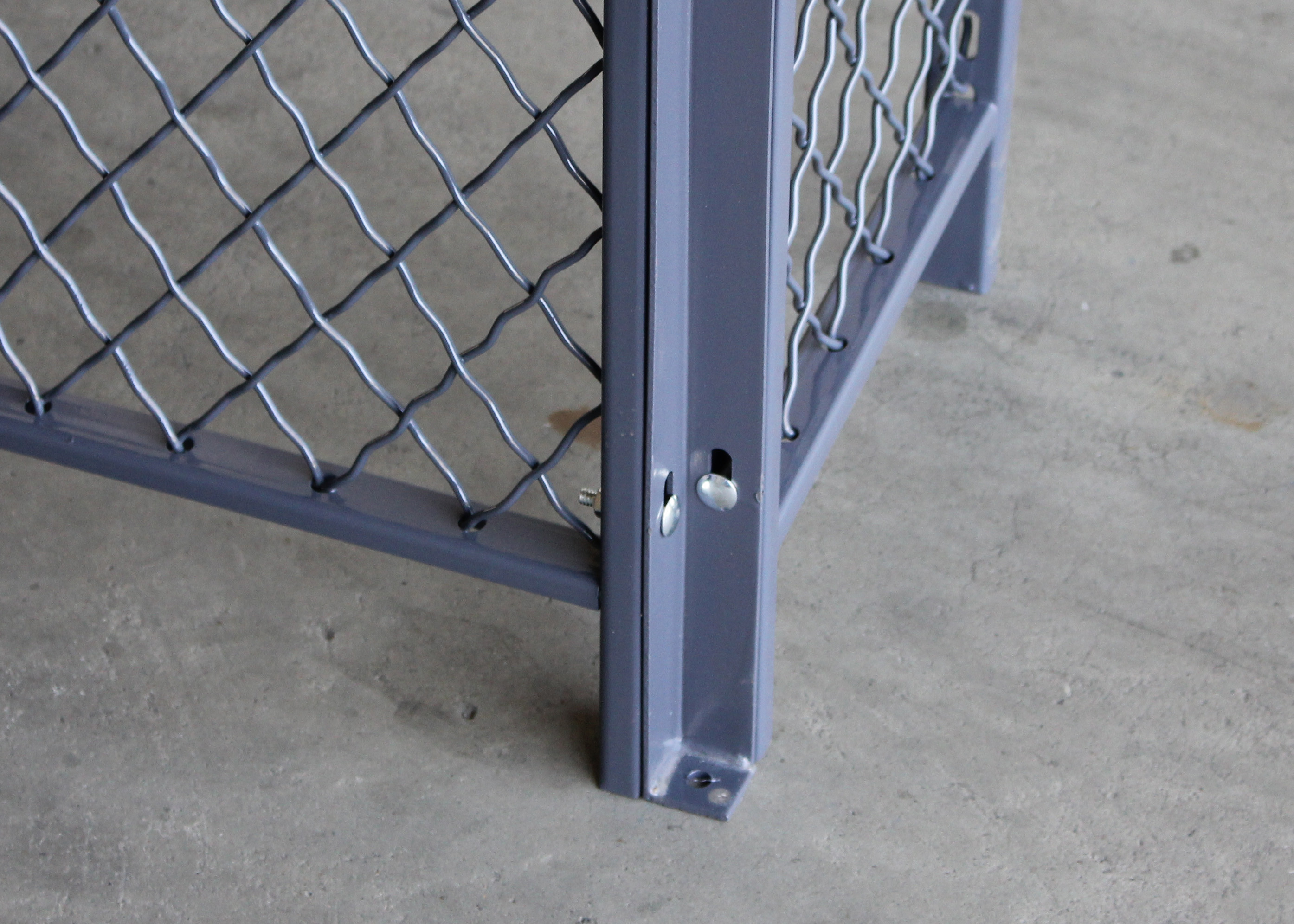 4 Sides Wire Mesh Security Partitions Data Protect